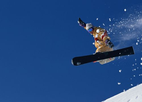 Snowboarder Jenny Jones concussed after crash